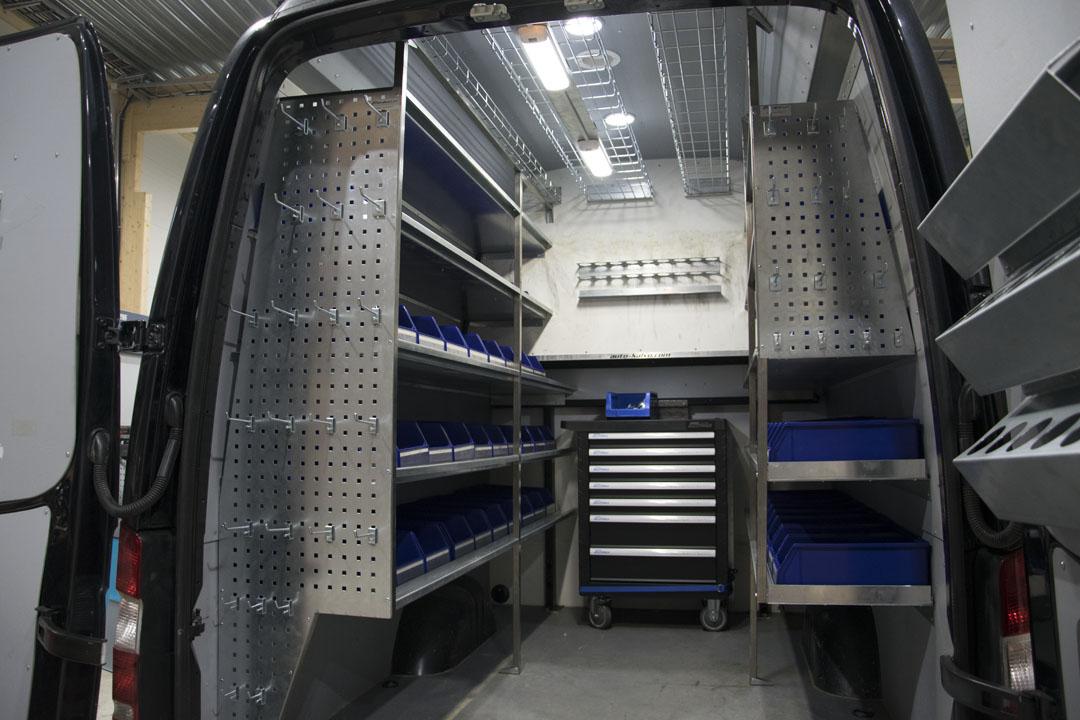 Pakettiauton Säilytysjärjestelmät